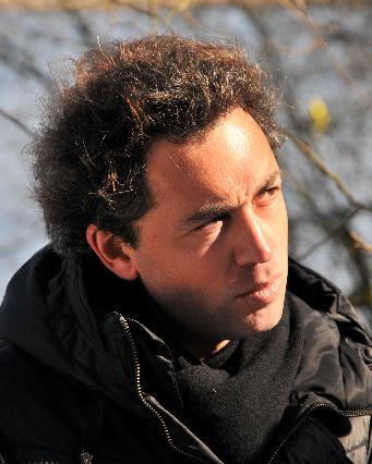 Sébastien Betbeder : «Je trouve absurde le principe du passage du moyen au long et les incidences que cela peut avoir sur la vie d'un film»