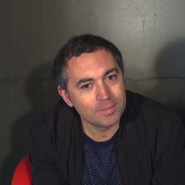 Sébastien Betbeder. Le jeu, l'impro, les adulescents et Paris