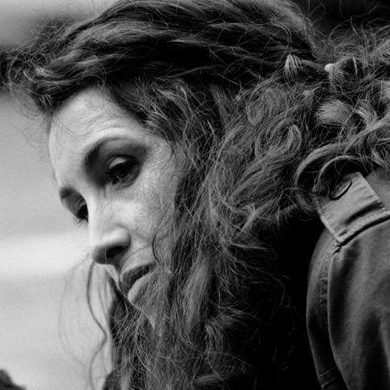 Isabelle Noguera. Le chat, la feuille et le jeu aux sept visages