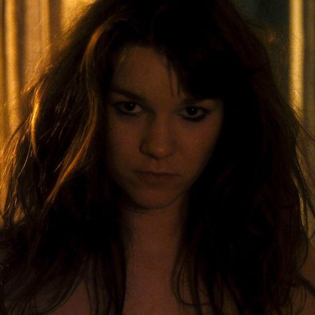 Laurie Lévêque : «L'annonce au départ disait : «Cherche jeune fille un peu garçon manqué. Il y aura une scène de nu, donc, assumez votre corps !». J'ai répondu en me disant, comme d'habitude que je verrai au dernier moment, si je suis prise, si je l'assume ou pas»