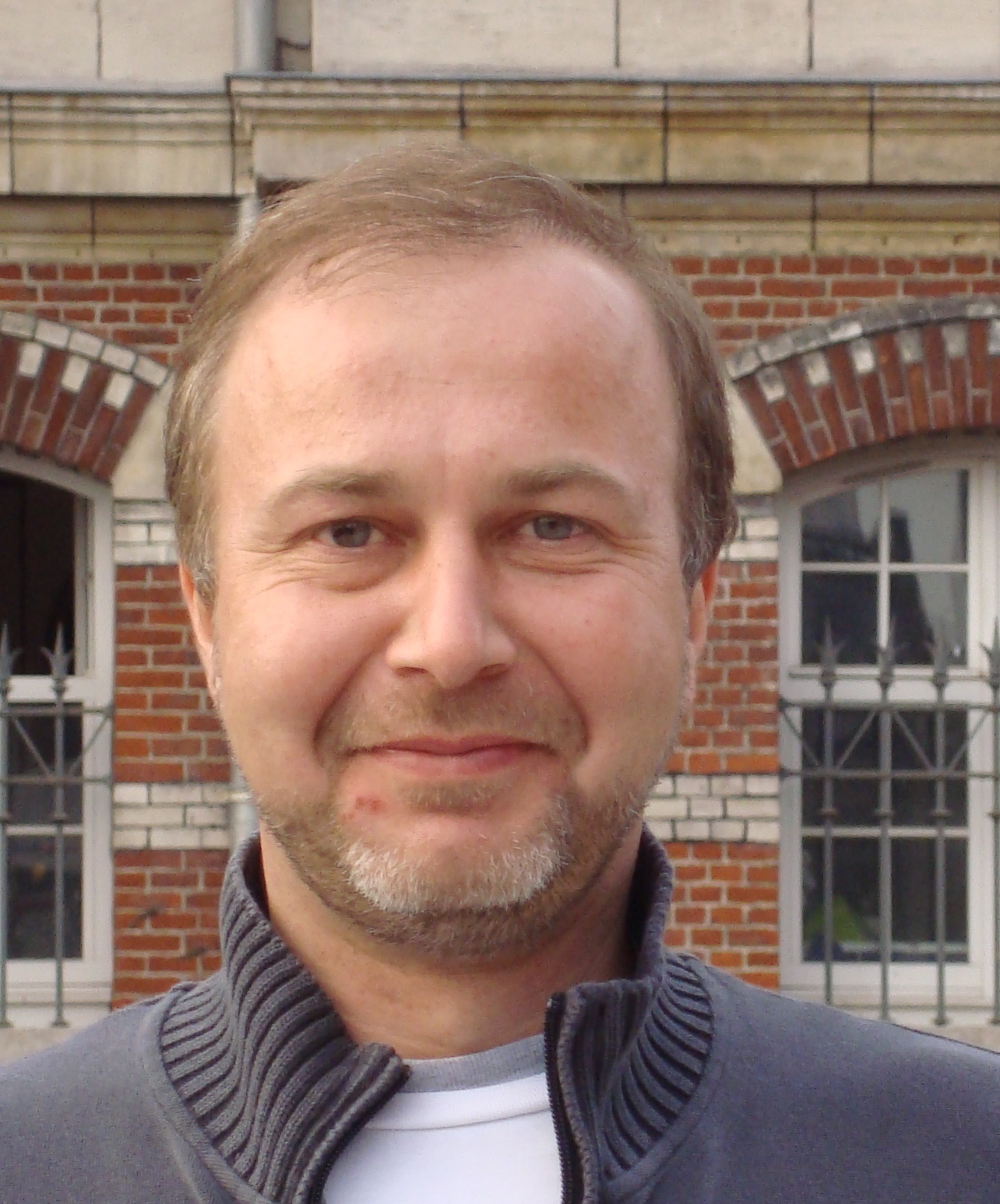 Alexei Alexeev : l'humour, le court, et le stupide
